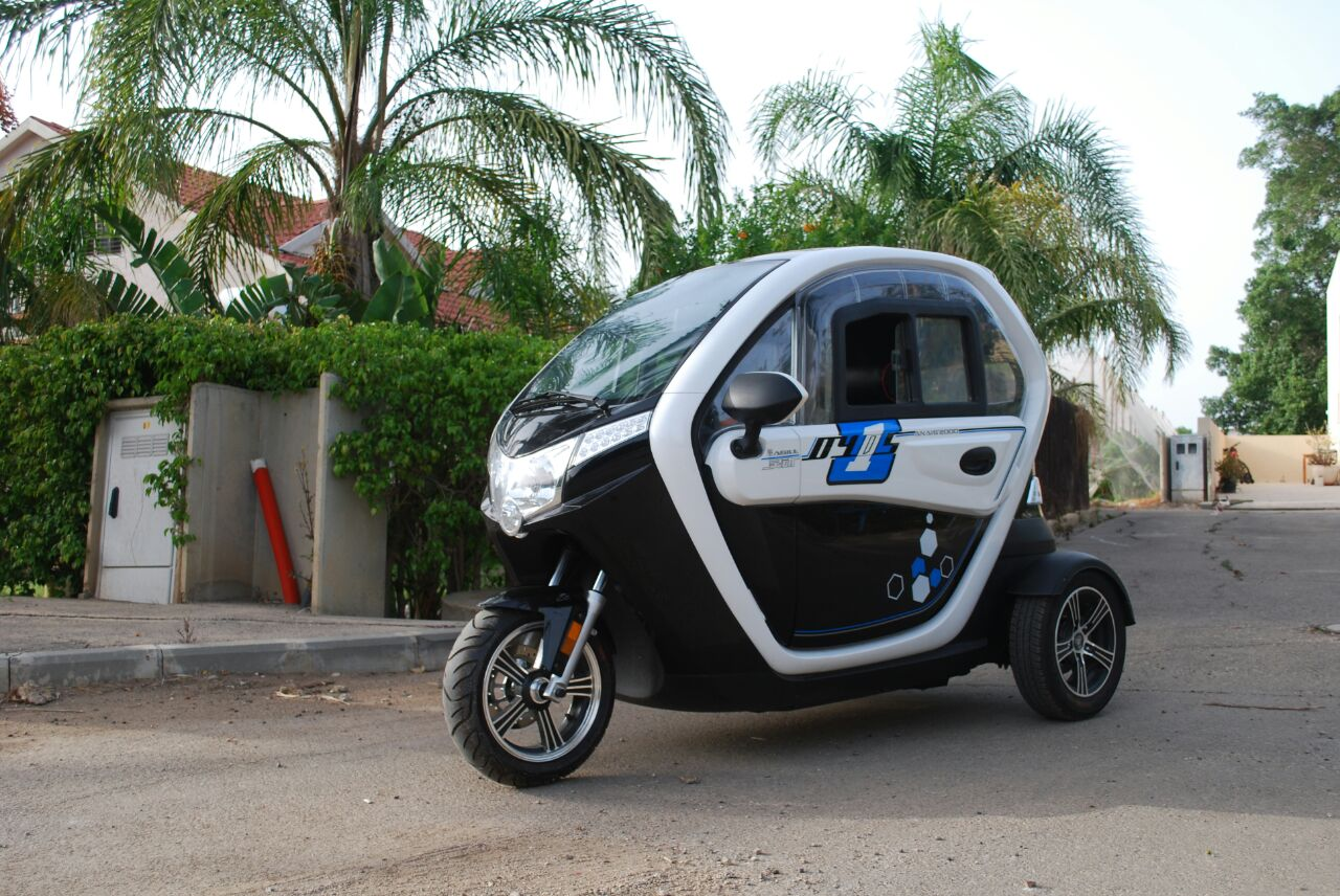 קלנועית שחורה עוצמתית sperit 2000